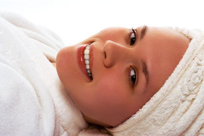 Sposoby na skuteczne oczyszczanie twarzy